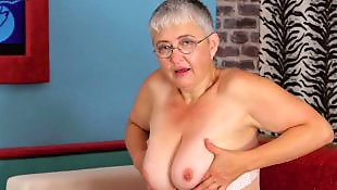 Granny, Hairy granny, Hairy, Mature, Mature amateur, Granny hairy