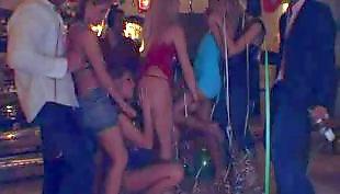 Курение колготки, Порно фото, Переодели в девочку, В длинном платье, Блондинка на вечеринке