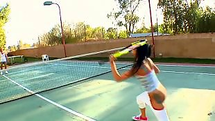 Natural tits, Tennis