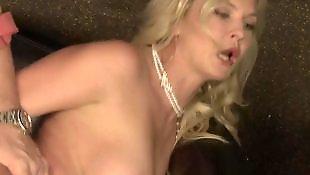 Big boobs, Bikini