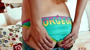 Teen orgasm, Pussy lips, Orgasm, Long legs, Long pussy lips, Long lips