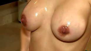 Shower, Busty