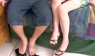Макро юбка, Короткие юбки, Порн в юбке, Подростки в юбках, По юбкой, По лицу